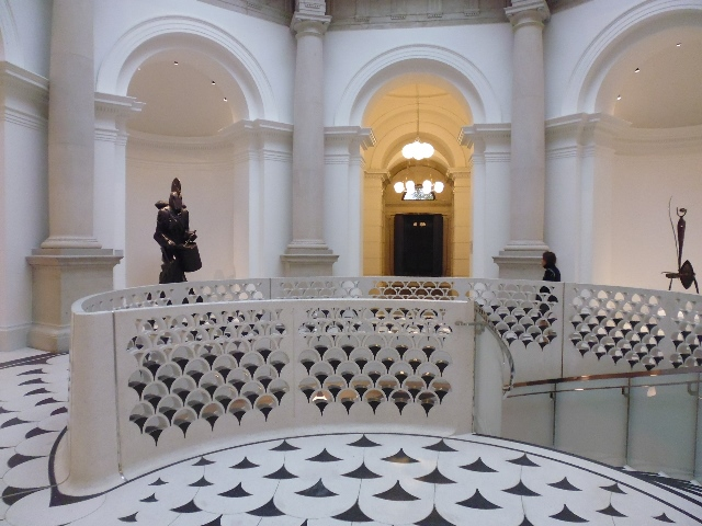 Tate rotunda 2