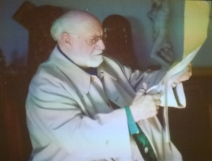 Matisse doing his cut-outs